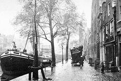 De Voorhaven en Pelgrimskerk in Delfshaven in het jaar 1929. De foto is van vandeneijk.com