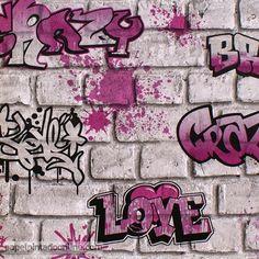Papel Pintado Graffiti 258B, papel con graffitis en rosa y negro sobre fondo de ladrillos grises.