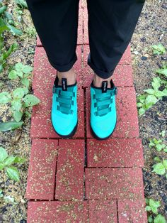 I tried out Arc'teryx's new Arakys Approach Shoes in a variety of scrambles and scrabbles, and, my feet felt just splendid.