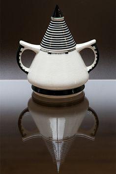 Sugar bowl '4300' designed by Chris van der Hoef in 1926. Photo made for the Dutch webmagazine Serviezendomein.nl