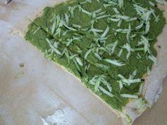 Experimente aus meiner Küche: Schneckenbrot mit veganem Rucola-Pesto, Chili und Zucchini #breadbakingfriday