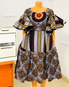Maxi beauty ❤️❤️❤️ This print is second to none🥰 Beautifully done ✅ Slit in front ✅ Linning and padding ✅ Detachable peplum ✅ Price is… Short African Dresses, Latest African Fashion Dresses, African Print Dresses, African Print Fashion, Ankara Fashion, Africa Fashion, African Prints, African Fabric, Short Dresses