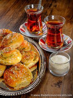 zaatar-and-parmesan-cheese-bread-rolls