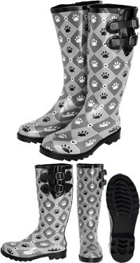 Cosmopolitan Paw Rain Boots at The Animal Rescue Site only 35.80 and it gives 28 bowls of food to shelters