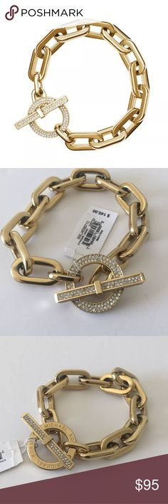 Michael Kors gold chain link cityscape bracelet Authentic, brand new with $145 tags, Michael Kors bracelet. There is some serious glitz going on in this bracelet and it's just gorgeous! Make sure to check out my watches and other bracelets to see if you'd like to make a lovely bundle deal! Michael Kors gold chain link cityscape bracelet. Michael Kors Jewelry Bracelets