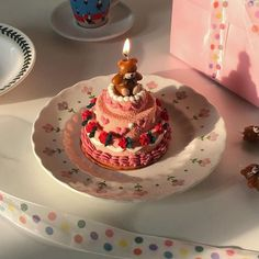 Image about pink in foodie by pastaheavn on We Heart It Cute Desserts, Dessert Recipes, Aesthetic Food, Pink Aesthetic, Cafe Food, Sweet Cakes, How Sweet Eats, Pretty Cakes, Let Them Eat Cake