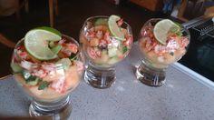 Krabbesalat med melon, avocado, agurk og en dressing med fiskesovs, olivenolie, sukkervand og limesaft :-)