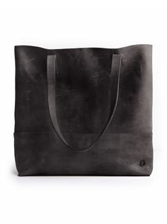 Sigh....this bag is lovely and on sale, but that doesn't change the fact that I would ruin it by trying to tote water bottles in it. Mamuye Tote | liveafashionABLE.com | #fashionABLEis4