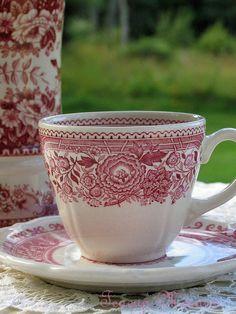Teacup-Closeup by teacup mosaics