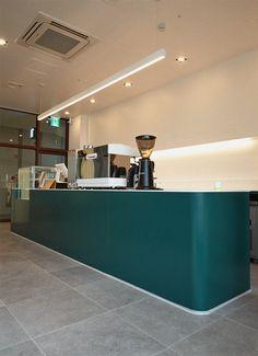 Home Decoration With Paper Craft Cafe Interior Design, Cafe Design, Modern Interior, Cafe Bar, Cafe Restaurant, Restaurant Design, Brick Cafe, Green Cafe, Counter Design