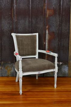Vintage Furniture, Retro Home Decor, Pittsburgh Antiques | Savvy ...