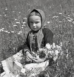 Heart Of Europe, Old Photography, Believe In God, The Kingdom Of God, Bratislava, Eastern Europe, Good Old, Traditional Outfits, Folk Art