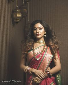 In frame Marathi Bride, Marathi Wedding, Marathi Nath, Saree Jewellery, Jewellery Box, Jewelry, Nauvari Saree, Saree Models, Beautiful Girl Image