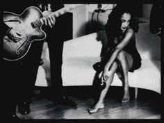 Listen to music from Sade like No Ordinary Love, Smooth Operator - Single Version & more. Find the latest tracks, albums, and images from Sade. Marvin Gaye, Sade Adu, Hip Hop, Music Photo, Her Music, Soul Music, Female Singers, Timeless Beauty, Classic Beauty