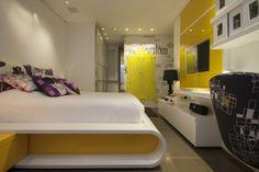 Quarto moderno e com design inovador. By Evelin Sayar #rc #altopadrao #quarto