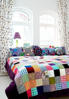 When you say patchwork the first thing that comes to mind is Grandma's patchwork quilt. While vintage quilts are lovely, the patchwork I a. Quilt Inspiration, Color Inspiration, Interior Inspiration, Decoration Shabby, Patchwork Quilting, Patchwork Bedspreads, Patchwork Blanket, Sweet Home, Pillows