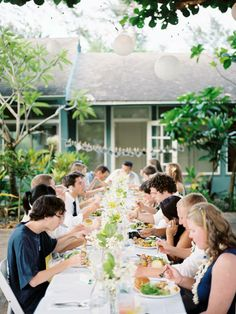 Oahu wedding (florals by Olivet, photo by chelsea scanlan)