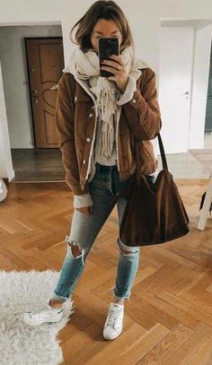 50 casual outfits for winter - Fashion - Winter Mode Cold Spring Outfit, Hot Day Outfit, Casual Winter Outfits, College Winter Outfits, Outfit Winter, Winter Outfits 2019, Winter Hair, Spring Outfits, Outfit Sets