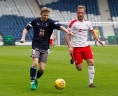 Queen's Park's Dominic Docherty in action during the SPFL League One game between Queen's Park and Raith Rovers.