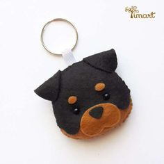 Digital Handout - Rottweiler - Pocket felt puppy, easy to make. Dog Crafts, Felt Crafts, Diy And Crafts, Sewing Crafts, Dog Ornaments, Felt Christmas Ornaments, Felt Keychain, Felt Hair Clips, Felt Dogs