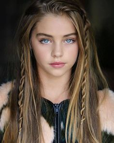 Top 20 Most Gorgeous Blue-Eyed Girls Wallpapers/Pics - Top 10 Ranker Jade Weber, Woman Face, Cool Eyes, Beautiful Eyes, Pretty Face, Pretty People, Beautiful People, Beauty Women, My Hair