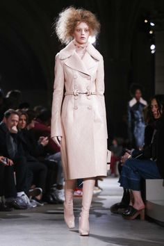 Alexander McQueen Ready To Wear Fall Winter 2015 Paris