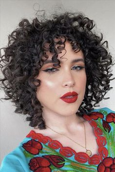 Shirt Curly Hair, Curly Hair Cuts, Curly Hair Styles, Curly Bangs, Pixie Hair, Short Curly Hair Black, Short Hairstyles For Thick Hair, Pretty Hairstyles, Hairstyle Ideas
