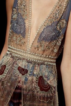 the art of fabric embellishment beading and embroidery textile couture art valentino s/s 2015 Couture Details, Fashion Details, Look Fashion, High Fashion, Net Fashion, Fashion Edgy, Couture Fashion, Runway Fashion, Womens Fashion