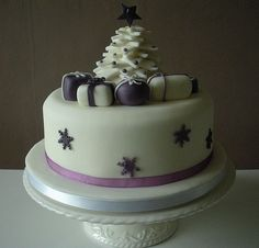 Decorate your own christmas cake class