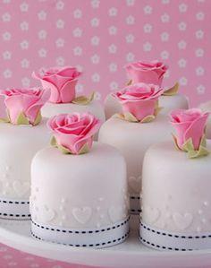 Rose cakes www.piccolielfi.it