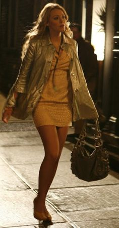 1x16 All About My Brother - Serena van der Woodsen (Silver Gryphon Mini Tent Jacket, Katherine Kwei Teresa Knotted Lambskin Hobo + Gemma Redux Lariat Necklace).
