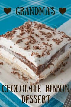 It doesn't get any easier than this no-bake chocolate Eclair Cake! Layers of graham crackers, vanilla pudding and Cool Whip are finished with a rich chocolate frosting for a creamy, dreamy dessert recipe that's perfect for any party or holiday! Chocolate Pudding Desserts, Desserts Nutella, Chocolate Pies, Homemade Chocolate, No Bake Desserts, Chocolate Recipes, Easy Desserts, Dessert Recipes, Chocolate Frosting