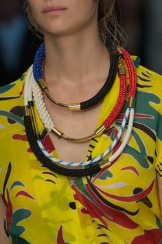 Marni at Milan Fashion Week Spring 2015 - Details Runway Photos Jewelry Accessories, Fashion Accessories, Fashion Jewelry, Jewelry Design, 90s Jewelry, Ss15 Trends, The Bling Ring, Shoes 2015, Layered Jewelry