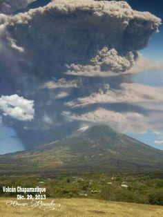 EL SALVADOR - El volcan Chaparrastiqe