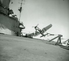 Lieutenant P S Cole DSC, RN, back from strafing airfields in Formosa, makes a crash landing in his Chance-Vought Corsair and finishes up near the island of HMS ILLUSTRIOUS in eastern waters. He climbed out and firefighters saw that the machine did not cat Ww2 Aircraft, Military Aircraft, Aircraft Photos, Hms Illustrious, Royal Navy Aircraft Carriers, Aviation Accidents, F4u Corsair, Navy Marine, World War Two
