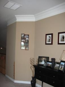love the color and the crown molding
