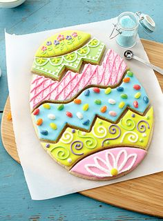 Fun to bake. Even more fun to eat. A family-friendly recipe for Easter Egg Puzzle Cookies. No Egg Cookies, Galletas Cookies, Sweet Cookies, Easter Cookies, Easter Treats, Cookies Et Biscuits, Sugar Cookies, Easter Cake, Easter Food