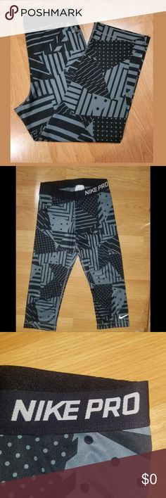 77e35199bad4d Nike Capri Leggings Size M. No stains, tears or stains. Excellent condition  Nike