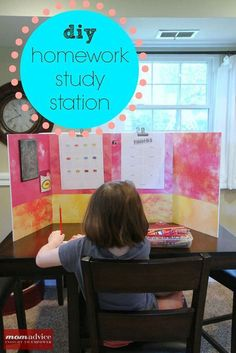 DIY Back to School Homework Station Ideas - Create a distraction free study station they can personalize to make homework more fun via momadvice Kids Homework Station, Do Homework, Homework Table, Homework Ideas, Homework Checklist, Back To School Organization, Organization Ideas, Kids Homework Organization, Diy Back To School