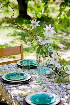 Easter Table Decorations, Decoration Table, Easter Centerpiece, Centerpiece Ideas, Spring Decorations, Flower Centerpieces, Easter Decor, Table Centerpieces, Outdoor Table Settings