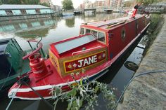 """Stay the night in a cozy narrowboat named """"Jane"""" in Bristol, UK."""