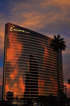Encore at Wynn offers guests the chance to embrace extravagance with pure unadulterated luxury and a buzzing Vegas atmosphere. http://www.vhiphotels.co.uk