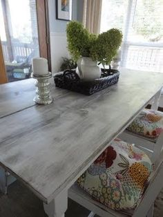i like the distressed white/grey color of this table.may do the legs this co. i like the distressed white/grey color of this table. …may do the legs this color Distressed Furniture, Shabby Chic Furniture, Dining Room Furniture, Dining Room Table, Whitewash Furniture, Refinished Furniture, Furniture Redo, Refurbished Table, Banquette