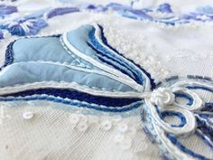 Inspiration tour to the Provence, with embroidery workshops, inspiration and lots of fun shared with other creative people! Come join us. Creative People, Embroidery Techniques, Delft, Provence, Workshop, Join, Tours, Throw Pillows, 3d