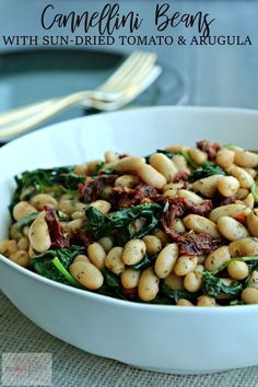 White Beans With Arugula And Sun-Dried Tomatoes Is The Easiest, Fastest Recipe I've Ever Posted. Utilizing Canned Beans Is A Time-Saving Shortcut. This Tasty Side Dish Is Ready In Five Minutes, Making It Perfect For Weeknight Cooking. Vegan Side Dishes, Vegetable Dishes, Side Dish Recipes, Food Dishes, Italian Side Dishes, Canned Vegetable Recipes, Beans Vegetable, Vegetable Pasta, Veggie Food