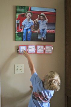 Free printable morning routine cards...use magnetic knife bar for the kids.