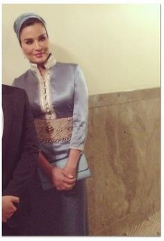 Nick Verreos: ROYAL COUTURE.....Sheikha Mozah of Qatar is in Japan, Giving COUTURE...and Turbans, of course!