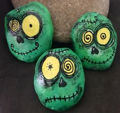 Set: Halloween Zombie-Monsters Painted Rocks Halloween and Fall Home Decor Knick Knacks Rock Buddy Collectible & Gift Halloween Zombie, Halloween Rocks, Halloween Crafts, Zombie Crafts, Halloween Painting, Pebble Painting, Pebble Art, Stone Painting, Rock Painting Patterns