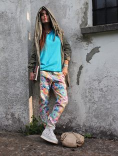 Sky and flowers fall in love Floral Pants, Ss 15, Spring Summer, Sporty, Street Style, Black And White, My Style, Parka, Flowers