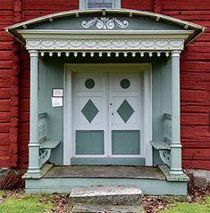 Bildresultat för förstukvist dalarna Garage Doors, Outdoor Decor, Home Decor, Decoration Home, Room Decor, Interior Design, Home Interiors, Interior Decorating